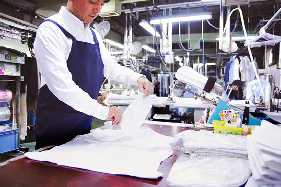リネット工場の作業風景