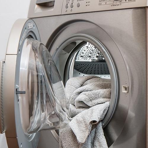 【洗濯して色移りした衣類】その原因と元通りにする方法
