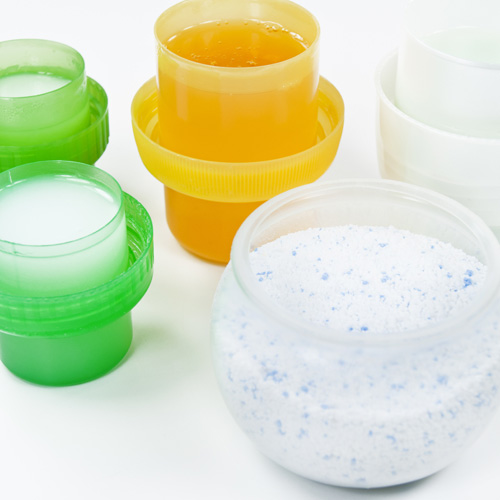 洗濯洗剤の粉末と液体-コスパ優秀、安いのはどっち?洗浄力・消臭力も比較